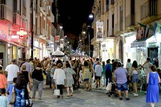 Covid, in Campania verso la limitazione degli orari dei locali