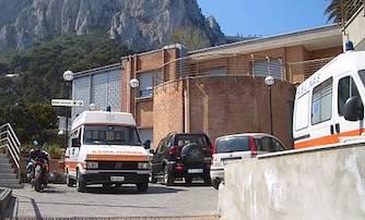 Turista ubriaco aggredisce personale dell'ospedale di Capri