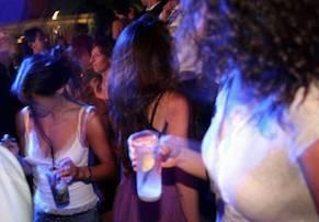 Tre ragazzine di Sorrento in ospedale dopo una notte in disco