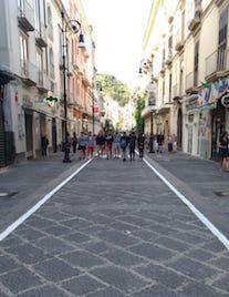 Il corso Italia di Sorrento riapre per il trasporto di oggetti pesanti
