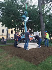 Ultimata a Sorrento la posa del monumento a Gor'kij – foto –