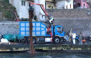 Più di 10 tonnellate di rifiuti recuperate nel mare di Sorrento – video –