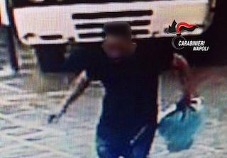 Ruba incasso in macelleria di Meta, arrestato – foto –
