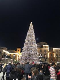 Le mille luci del Natale a Sorrento – video –