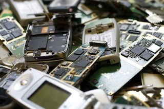 A Vico Equense raccolta a premi di rifiuti elettronici e olio esausto