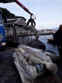 rifiuti-mare-porto-sorrento-241118-7