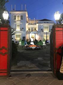 Sorrento. A Villa Fiorentino il Villaggio di Babbo Natale e mostre legate al grande cinema mondiale