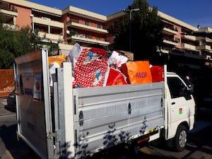 Imballaggi natalizi ed olio esausto, quintali di rifiuti raccolti a Sorrento