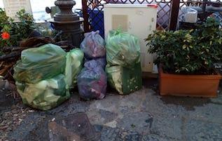 Proseguono gli interventi per la pulizia delle spiagge di Sorrento