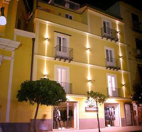 Sorrento: Palazzo Abagnale si rifà il look e cambia proprietà e gestione