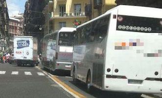 Tassa di ingresso per i bus turistici a Napoli, esentati i pacchetti già venduti