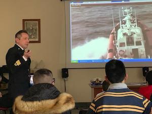 """La Guardia Costiera incontra i ragazzi del """"Bartolo Longo"""" di Pompei"""