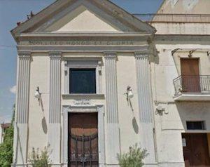 Rubano antico calice da una chiesa e tentano di fuggire verso Sorrento, presi