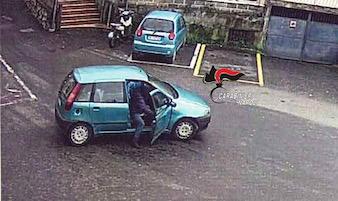 Vico Equense: Escono dalla comunità e per tornare a casa rubano un'auto – foto –