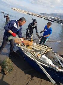 Sorrento: Operazioni di pulizia dei fondali e della costa di Marina Grande e Regina Giovanna