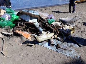 Sub e volontari puliscono il mare di Sorrento
