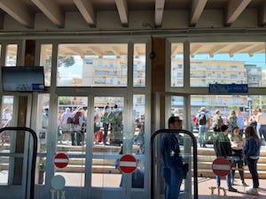 Stazione Eav di Sorrento: Colpisce con una testata il capotreno perché non vuole fare il biglietto