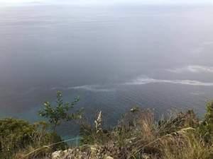 Sversamento illecito di carburante nel mare del Parco di Punta Campanella