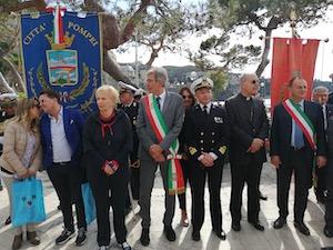 La Nave del Cuore in viaggio tra Castellammare e Sorrento
