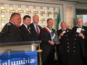 Il sindaco di Sorrento Giuseppe Cuomo premiato a New York