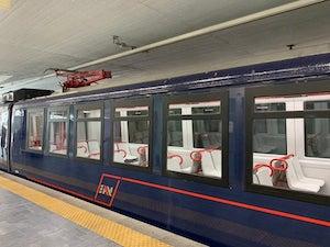 """In servizio il primo treno """"revampizzato"""" di Eav e sulla linea per Sorrento convoglio del 1926 restaurato"""