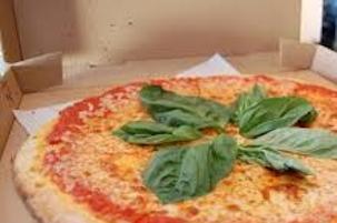 Piano di Sorrento, premi per chi consegna i cartoni delle pizze