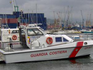 Militare della Capitaneria aggredito nel porto di Castellammare