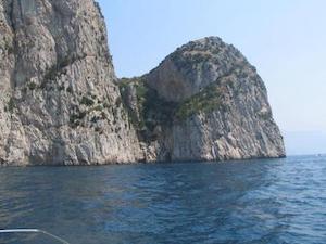 Dati Arpac luglio: Mare ok in costiera sorrentina tranne che a Punta Montalto di Massa Lubrense