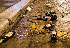 Italia-Spagna su maxischermo a Meta, stop bottiglie e lattine