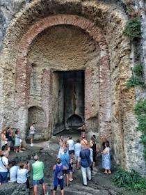 Grande partecipazione alla visita ai ninfei romani di Sorrento