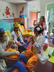 A Sorrento divertimento e solidarietà con i Clown Dottori