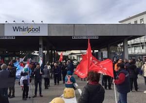 Vertenza Whirlpool, sciopero in tutta la provincia di Napoli