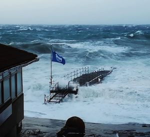 Vento e mare agitato, allerta fino a domani