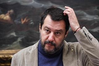 """A Sorrento arriva Salvini e le """"fragaglie"""" scendono in piazza"""