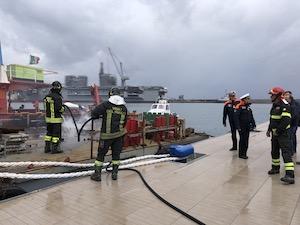 Esercitazione antincendio e contro l'inquinamento marino al porto di Castellammare