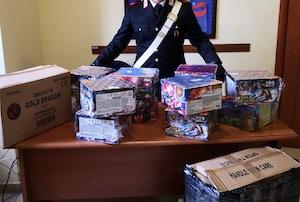 Mezzo quintale di fuochi sequestrati dai carabinieri in casa di un 23enne di Vico Equense
