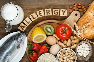 Allergie alimentari e rischi nel mangiare fuori casa, incontro a Sorrento