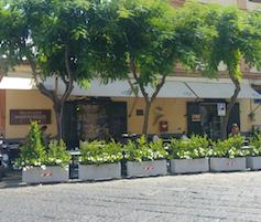 Covid, chiuso il Gran Caffè Marianiello di Piano di Sorrento