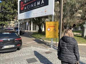 Lavori fatti male, dopo 8 mesi chiude di nuovo piazza Lauro a Sorrento