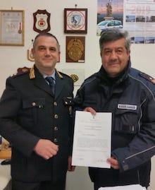 Soccorre un anziano ferito, encomio per un luogotenente della Municipale di Sorrento