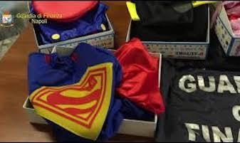 Giocattoli ed altri prodotti contraffatti, sequestri della Finanza a Sorrento – video –