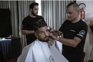 Il look dei calciatori del Napoli per il calendario 2020 realizzato grazie allo staff del barbiere di Sorrento Tony Figaro – foto –