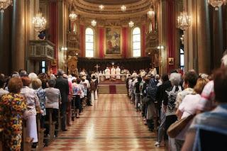Accordo Governo-Cei, dal 18 maggio messe con i fedeli