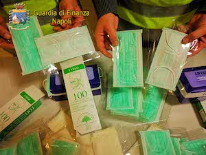 Coronavirus. In provincia di Napoli mascherine vendute a +6.150% – foto –