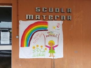 """""""Uniti anche a distanza"""", il messaggio della scuola """"Lauro"""" di Sorrento"""