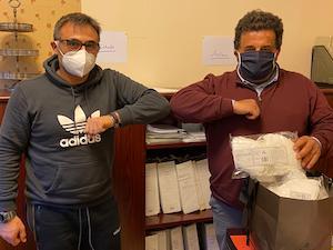 L'imprenditore Mario Lago dona mascherine al Comune di Vico Equense