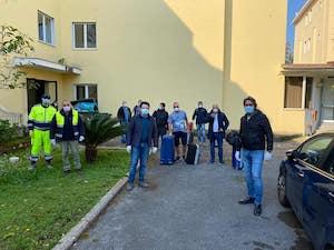 Finita la quarantena in hotel, tornano a casa 14 marittimi della costiera sorrentina
