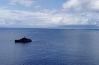Si rivedono yacht di lusso nel golfo di Napoli: Segnale di ripresa
