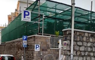 Un nuovo parcheggio nel centro di Sorrento, esposto del Wwf – foto –