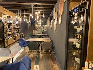 A Sorrento apre Prosit, elegante winebar della famiglia Pollio